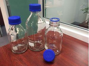Picture of Liquid Handling Glassware    Lab Bottle Schott type clear Glass w/Blue GL45 Screw Lid 500ml  MS1407-500